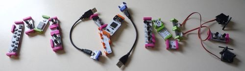 Montage LittleBits par Benjamin et Connie C.P. [Photo Benjamin et Connie Chow-Petit — CC-BY-NC-SA]